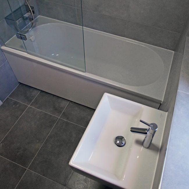Bathroom Crick